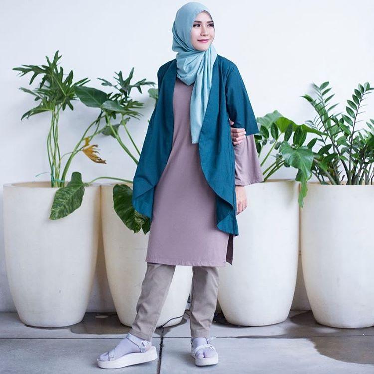 nama artis selebritis fashion designer indonesia berhijab hijabers muslimah pakaian busana syari fashion show event model koleksi rancangan terbaru terkini merk branded terkenal populer internasional lokal berkualitas bagus keren sukses
