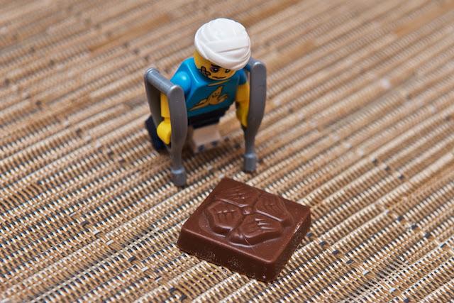 Lego - Advent Calendar - Calendrier de l'Avent - Homme Maladroit Lego - Minifigurines serie 15 - Lucky Shamrock - Trèfle - Chocolat au lait