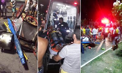 Barraca/carroça de batata frita recebe colisão de moto e  o resultado foi de 4 pessoas feridas em Limoeiro