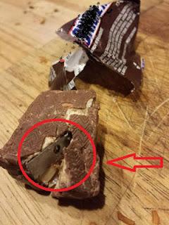 MULAI SEKARANG Kamu Harus Hati-Hati & Teliti Dahulu Sebelum Makan Coklat .. Bisa Jadi Kamu Bakal Benda Mengerikan InI Di Dalamnya