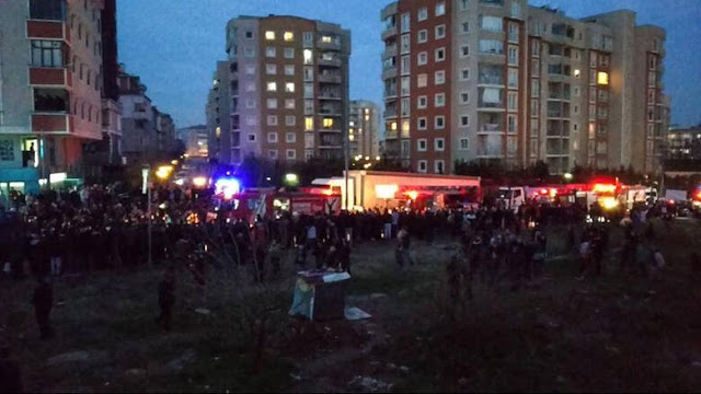 Στρατιωτικό ελικόπτερο έπεσε σε κατοικημένοι περιοχή της Κωνσταντινούπολης