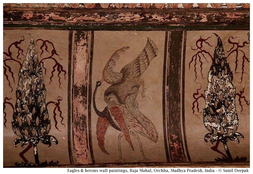 Water birds and eagles in wall paintings, Deewane-Aam, Raja Mahal, Orchha fort, Madhya Pradesh, India - Images by Sunil Deepak