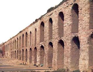 Η Κωνσταντινούπολη οχυρώνεται και στολίζεται με έργα τέχνης - Η ρωμαϊκή αυτοκρατορία μεταμορφώνεται - από το «https://e-tutor.blogspot.gr»