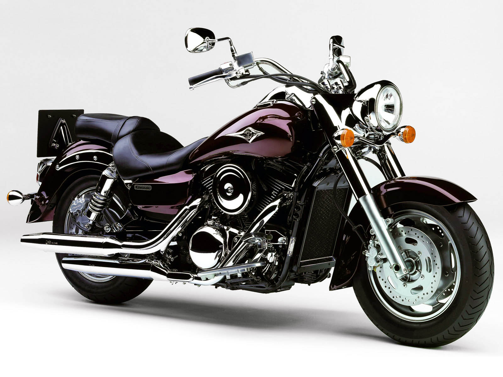 wallpapers: Kawasaki Vulcan 1600 Classic Bike