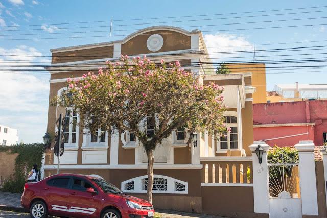 Outra casa bem conservada na Jaime Reis