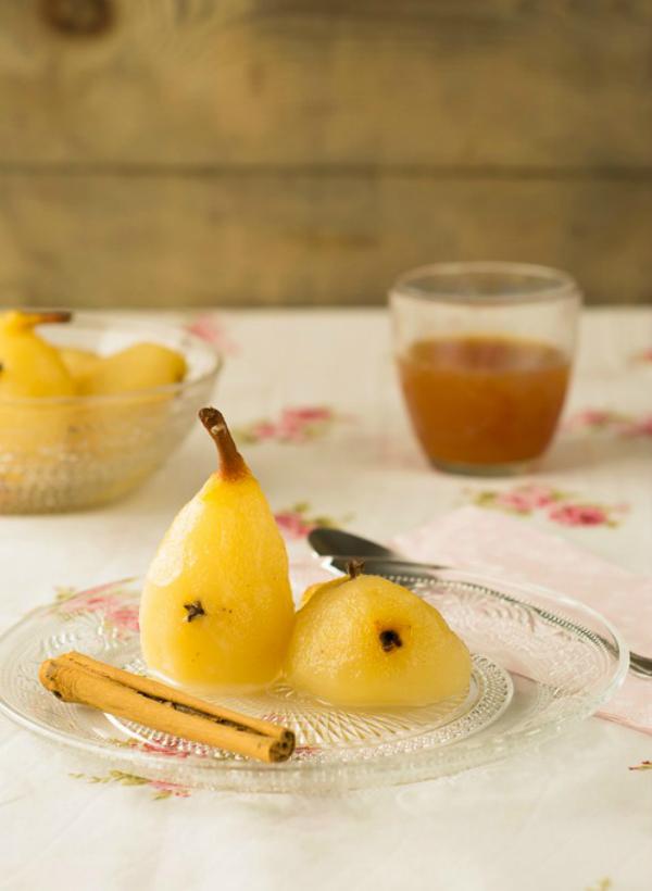 Peras especiadas con helado de vainilla sin lactosa La Rosa Dulce