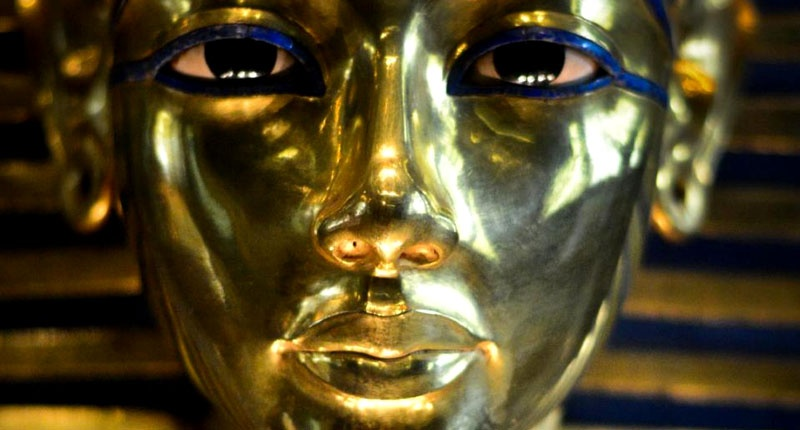 The Curse Of King Tuts Tomb Torrent: Reeves: Tutankhamun's Treasures May Have Originally