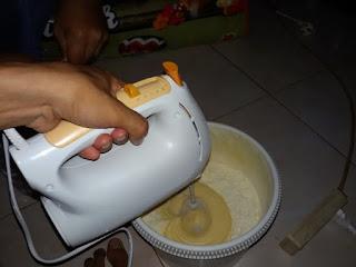 mixer kue