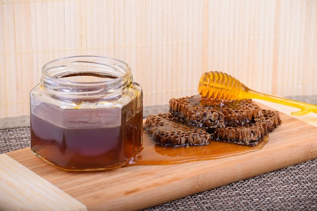 Eat Raw Honey Daily To Feel These Amazing Effects