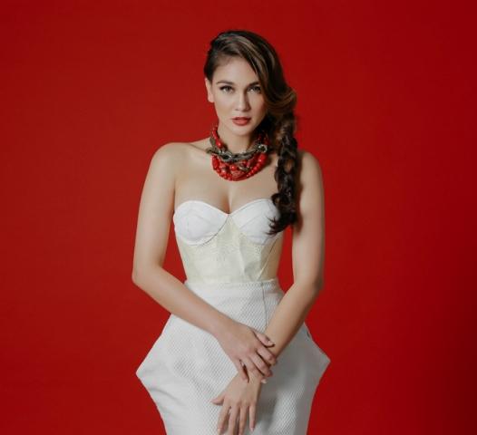 Download Koleksi Foto Sexy Hot Luna Maya Model Sexy Indonesia & Mantan Bintang Video Mesum | www.insight-zone.com