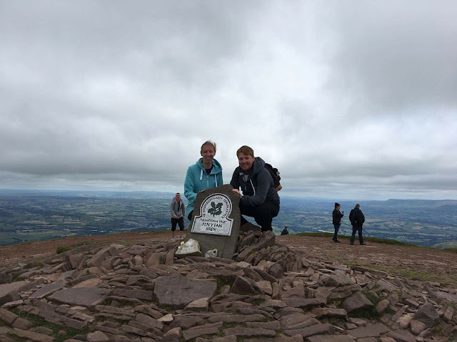 the-writing-greyhound, pen-y-fan, wales, brecon-beacons, travel