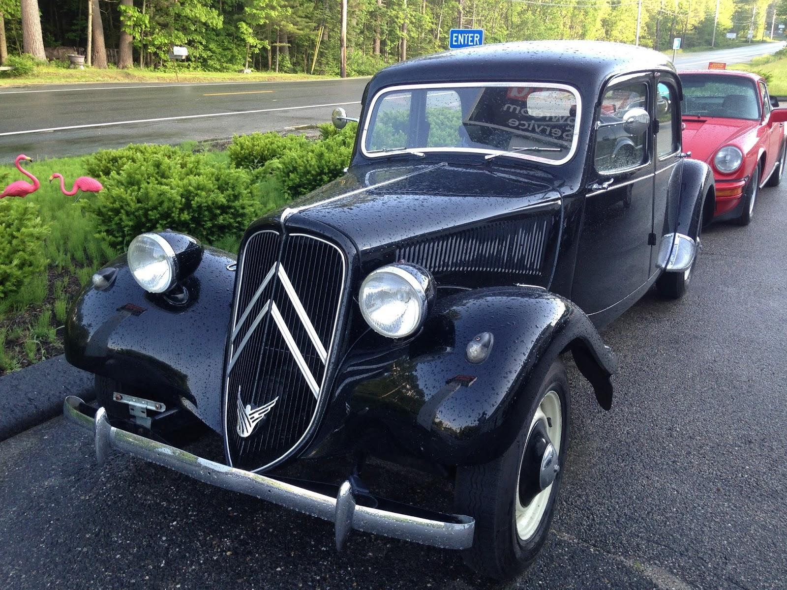 autoliterate 1954 Citro n Traction Avant puis une 1952 Mercedes