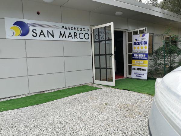 parcheggio aeroporto venezia