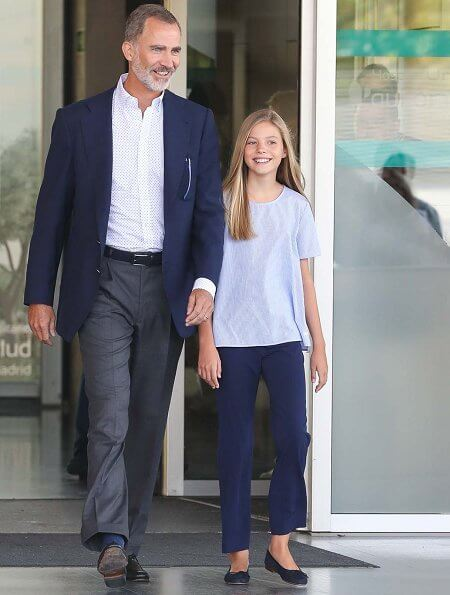 Infanta Sofia wore a cotton short sleeve shirt by Massimo Dutti
