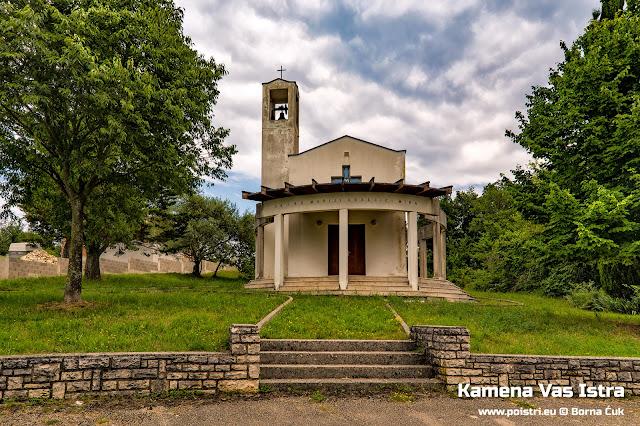 Crkva Blažene Djevice Marije – Kraljice mira Kamena Vas @ www.poistri.eu