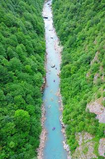 View dari atas sungai Tara