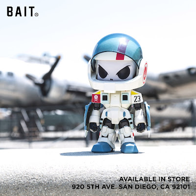 San Diego Comic-Con 2018 Exclusive Robotech Hunter Figure by Huck Gee x BAIT