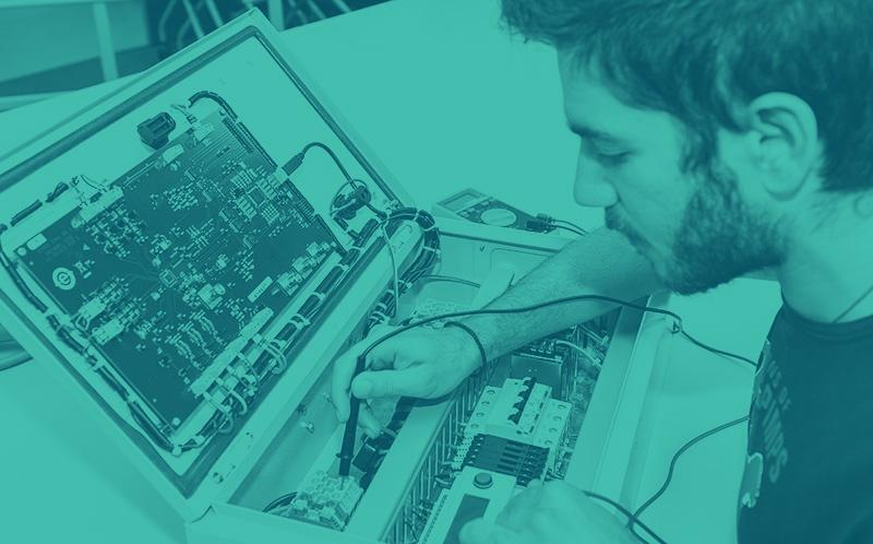 [Định hướng nghề nghiệp IT] Sự khác nhau giữa nhúng bên điện tử và kĩ thuật máy tính