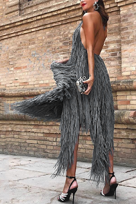 https://www.chicloth.com/collections/maxi-dresses/products/a-chicloth-sexy-backless-sleeveless-maxi-dress/?utm_source=blog&utm_