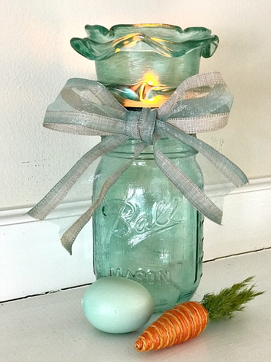 How to make a blue frosted Mason Jar candle holder for Easter