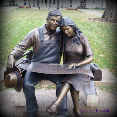 Owensboro Ky statue called Hometown