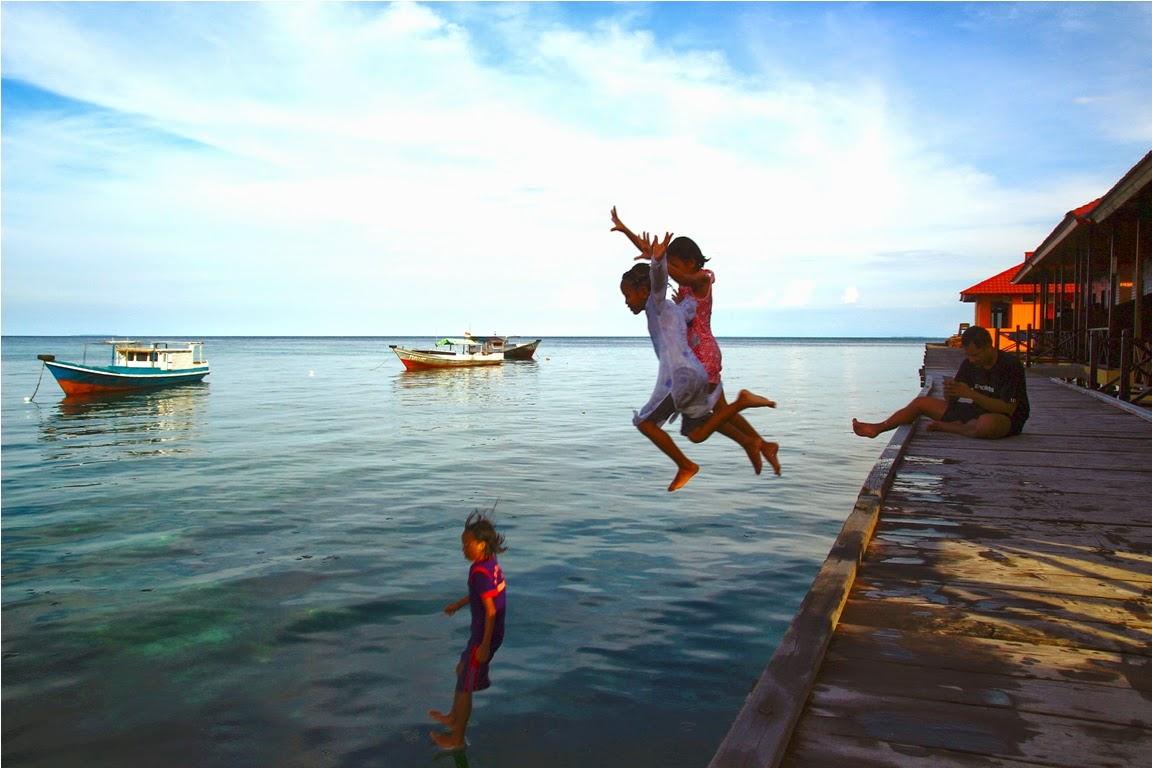 Anak-anak Pulau Derawan