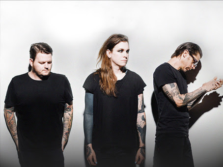 "Against Me! mostra cover de ""People Who Died"""