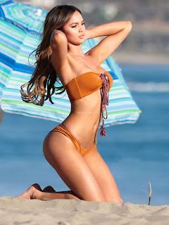 Sammy-Mitchell-in-Bikini--03_celebsnext.xyz.jpg