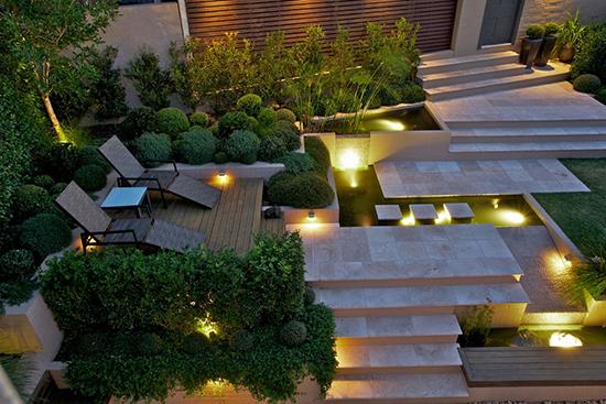inspirasi taman cantik dengan cahaya