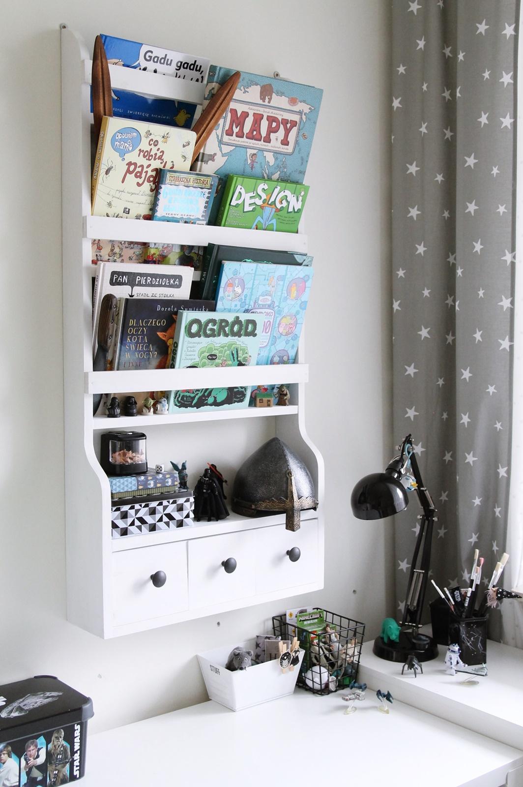 Scndi bookshelf