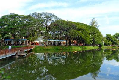 Tempat Wisata Terbaik di kota Palembang Taman Kambang Iwak