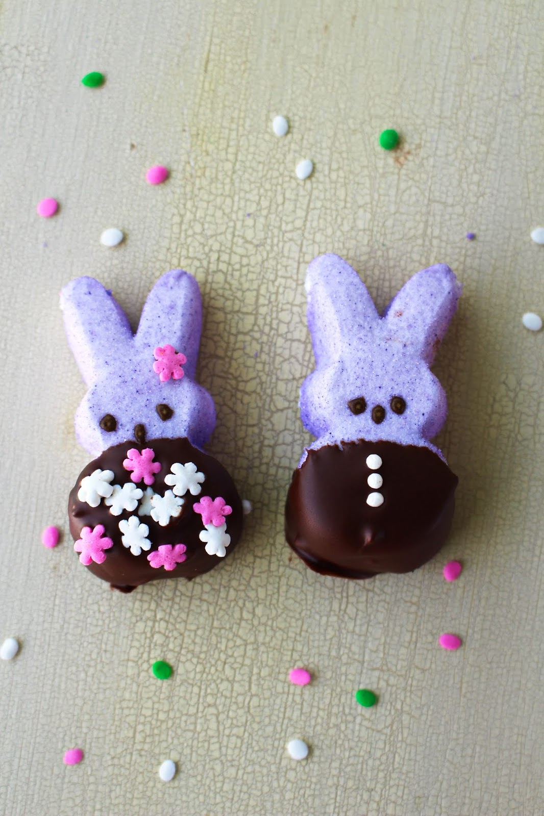 Chocolate Covered Peeps take your favorite Easter marshmallow treats up a notch by dipping them in an irresistible chocolate coating. You will never want to eat them any other way again! #Easter #peeps #dessert