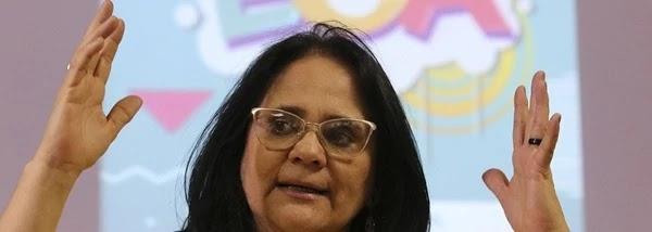 A ministra da Mulher, da Família e dos Direitos Humanos, Damares Alves, disse não ser contra o decreto do presidente Jair Bolsonaro que permite que crianças e adolescentes pratiquem tiro esportivo sem autorização judicial.