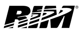 TORONTO (AP) — Los futuros modelos de BlackBerry aún se ofrecerán con teclados físicos, es decir, incorporados a la carcasa del teléfono multiusos, dio a conocer Research in Motion Ltd.  Algunos reportes indicaban que RIM desecharía los teclados físicos, apreciados por algunos usuarios, pero su director general, Thorsten Heins, dijo este miércoles que RIM no perderá el enfoque. Heins presentó el martes pasado un prototipo de BlackBerry con pantalla sensible al tacto, pero dijo que la nueva línea de teléfonos que comenzarán a venderse este año incluirá tanto pantalla táctil como teclado. La portavoz de RIM, Tenille Kennedy, también