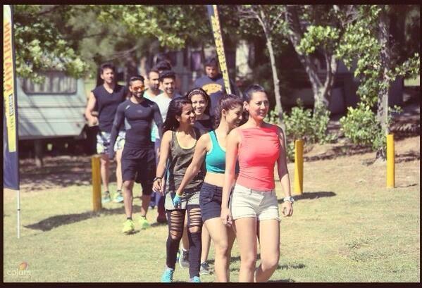 Fear Factor Khatron Ke Khiladi contetsants in a row in episode 1 that featured snakes, chopper and speedy boats