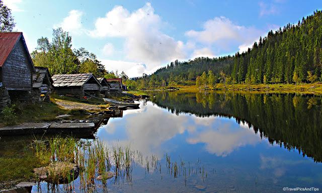 Randonnée tour du lac Fitjadalsvatnet Fitjadalen, Oystese, Norvège