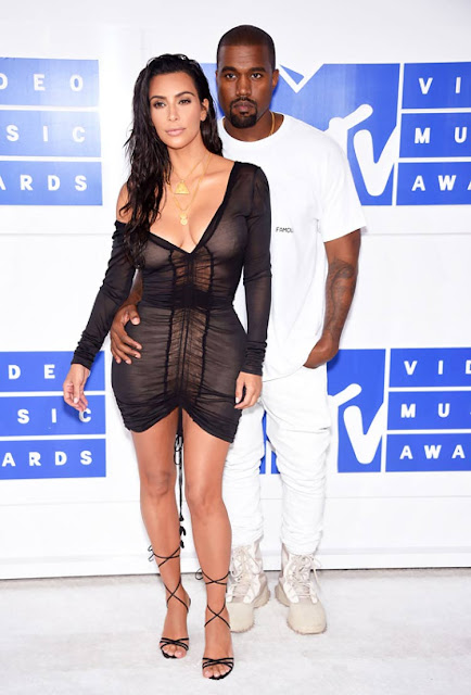 Kanye west, look all white (1)