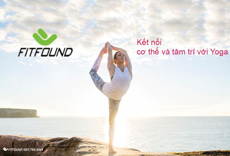 cach-cai-thien-viec-ket-noi-co-the-va-tam-tri-cua-ban-voi-yoga