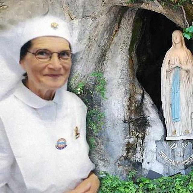 Hoje Danila também é voluntária em Lourdes para ajudar aos doentes