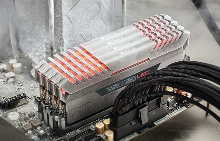 corsair VENGEANCE LED DDR4 Memory
