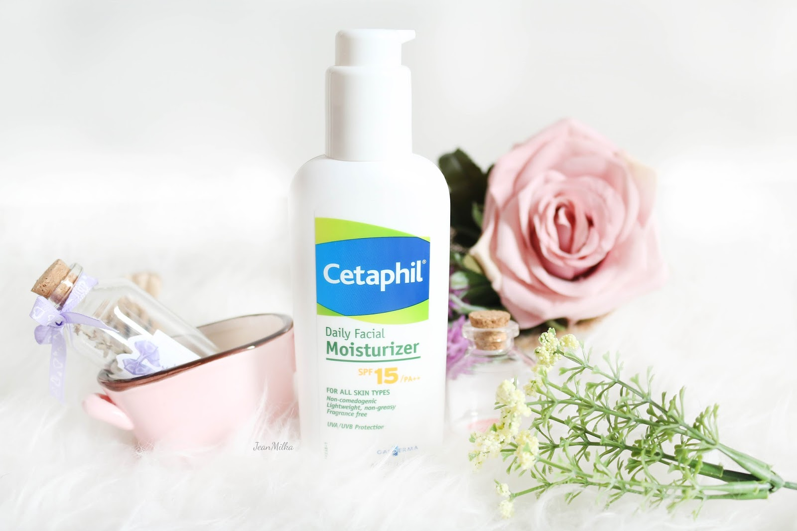 cetaphil, skincare, cetaphil skincare, review, product review, skincare murah, drugstore, drugstore skincare, cetaphil experience, cetaphil indonesia, indonesia. experience cetaphil, cetaphil daily moisturizer
