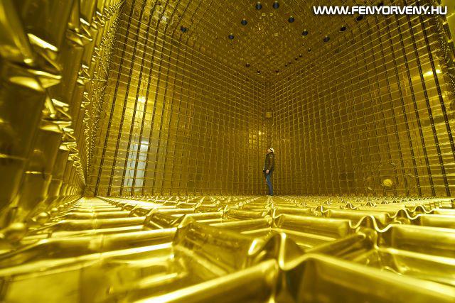 Először mutatta ki a szellemrészecskék nyomát a CERN különleges neutrínódetektora