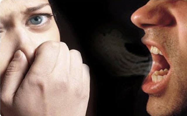 أسباب وعلاج رائحة الفم الكريهة