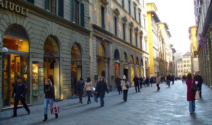 Compras em roma melhores lojas e ruas dicas da it lia for Bershka roma via del corso