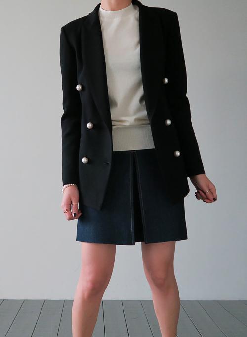 Pearl Buttoned Blazer