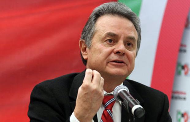 Mexicanos deben acostumbrarse al alza de la gasolina y de la luz: Coldwell