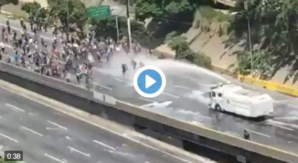 Así se vive la represión en Vivo en las calles de Caracas