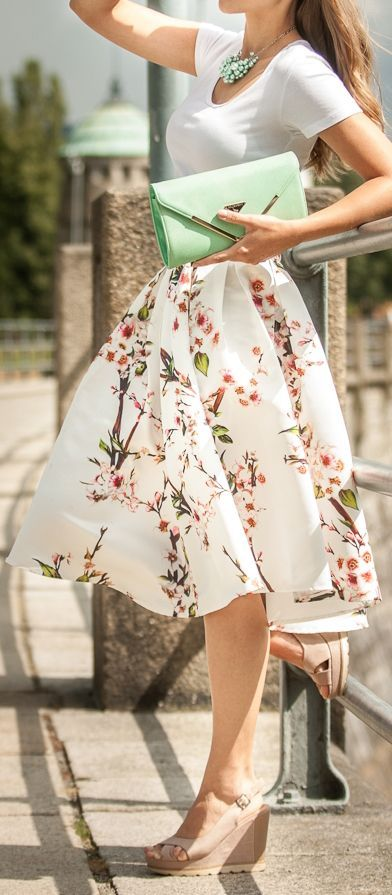 20 Attractive Romantic Outfits To Wear This Summer