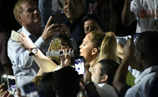 Público se molesta con Jennifer Lopez porque solo canto una hora