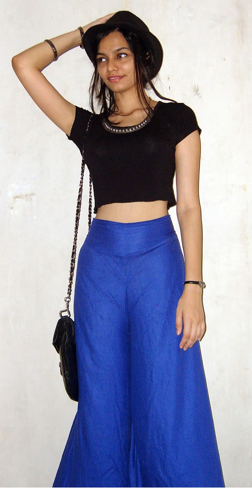 how to wear croptops in india, mumbai streetstyle, palazzo pants, how to style palazzo pants, what to wear in summer, summer fashion, blue palazzo pants, black croptop